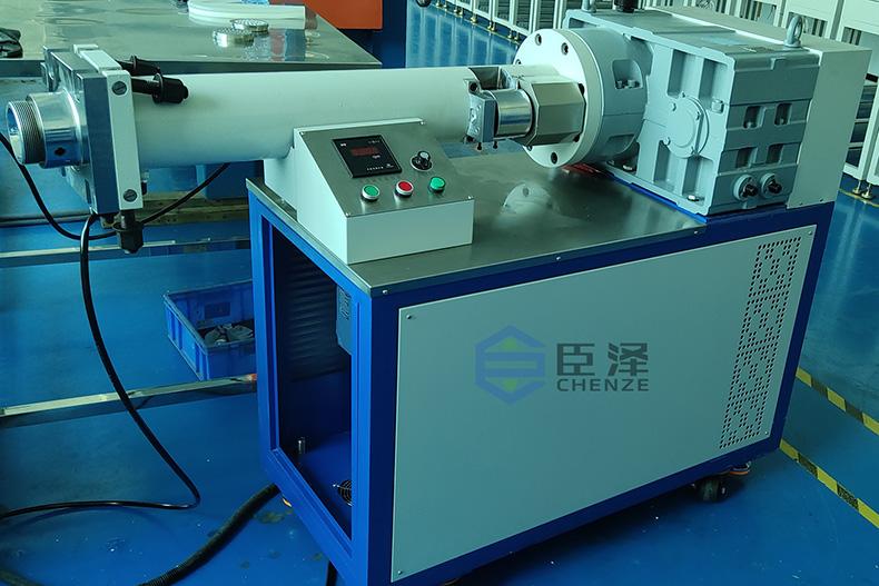 硅胶挤出机_硅胶挤出设备的分类