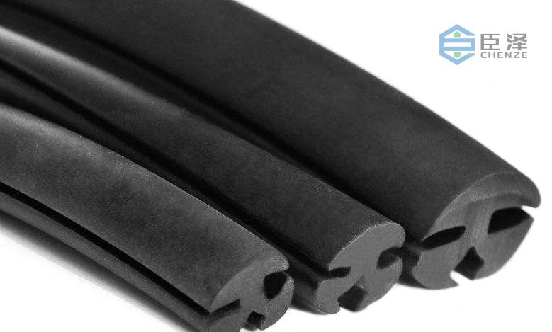 硅胶挤出机生产厂家臣泽带你认识汽车行业对硅胶制品的需求量有多大?